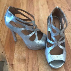 torrid Shoes - Torrid gold heels